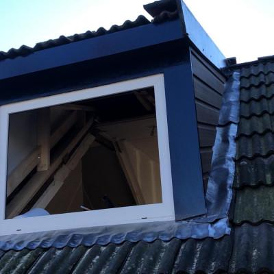 Plaatsen nieuwe dakkapel