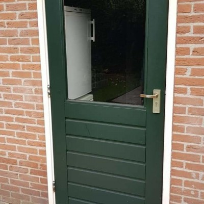 Oude achterdeur vervangen