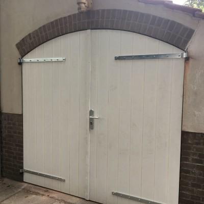 2 Nieuwe buitendeuren gemaakt en gemonteerd