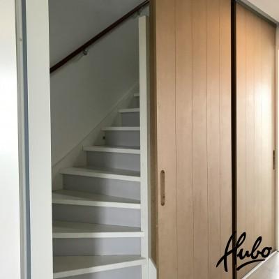 Scheidings-schuifwand met twee schuifdeuren en een 'vaste deur'
